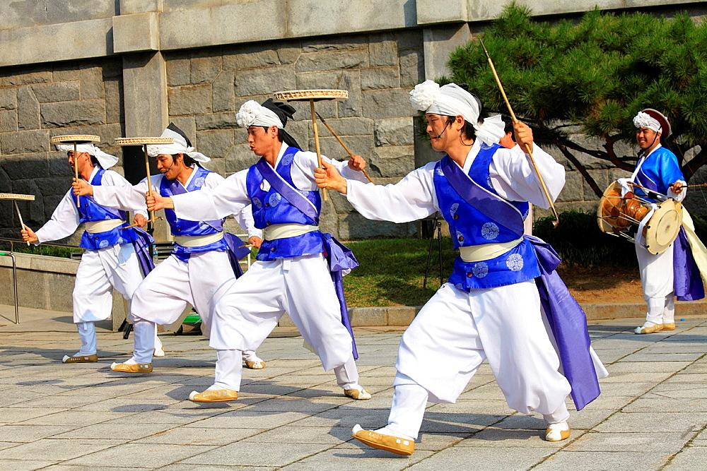 South Korea, Seoul, folklore, traditional dancers,.