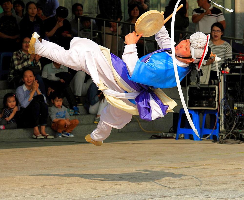 South Korea, Seoul, folklore, traditional dancer,.
