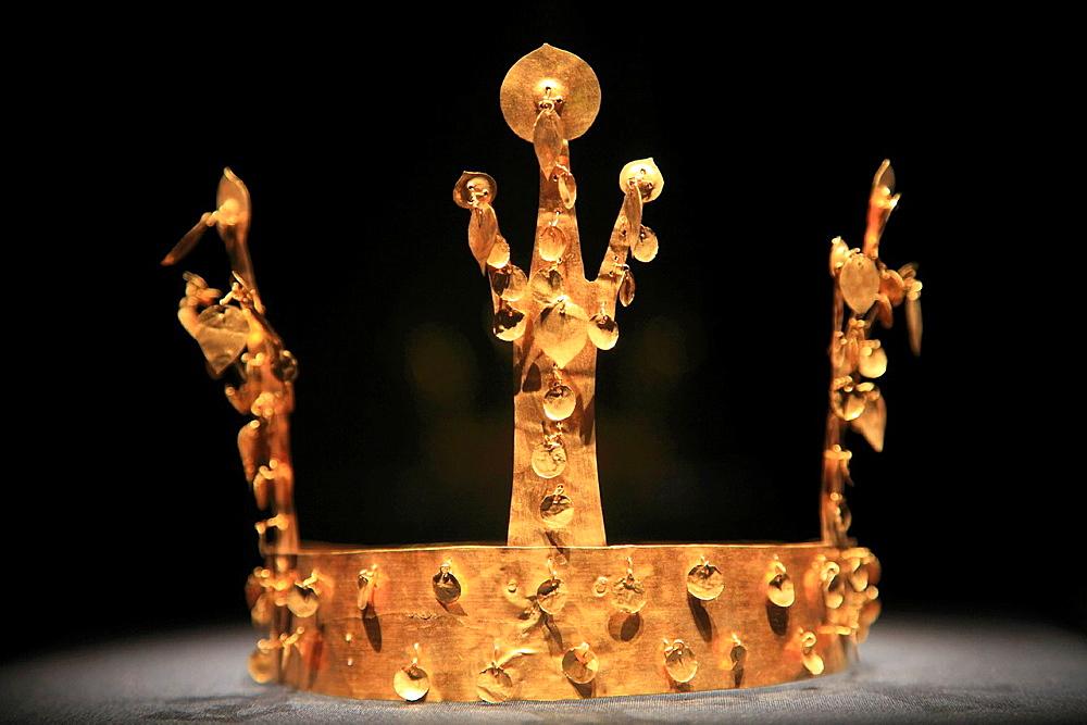 South Korea, Gyeongju, National Museum, gold crown,.