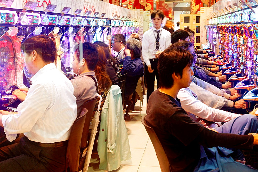 Japan, Osaka, Pachinko parlour, people, leisure,.