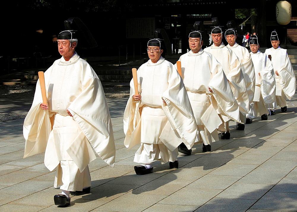 Japan, Tokyo, Meiji Jingu Shrine, shinto priests,.