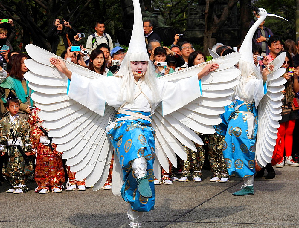 Japan, Tokyo, White Heron Dance, ceremony, procession, people,. - 817-470098
