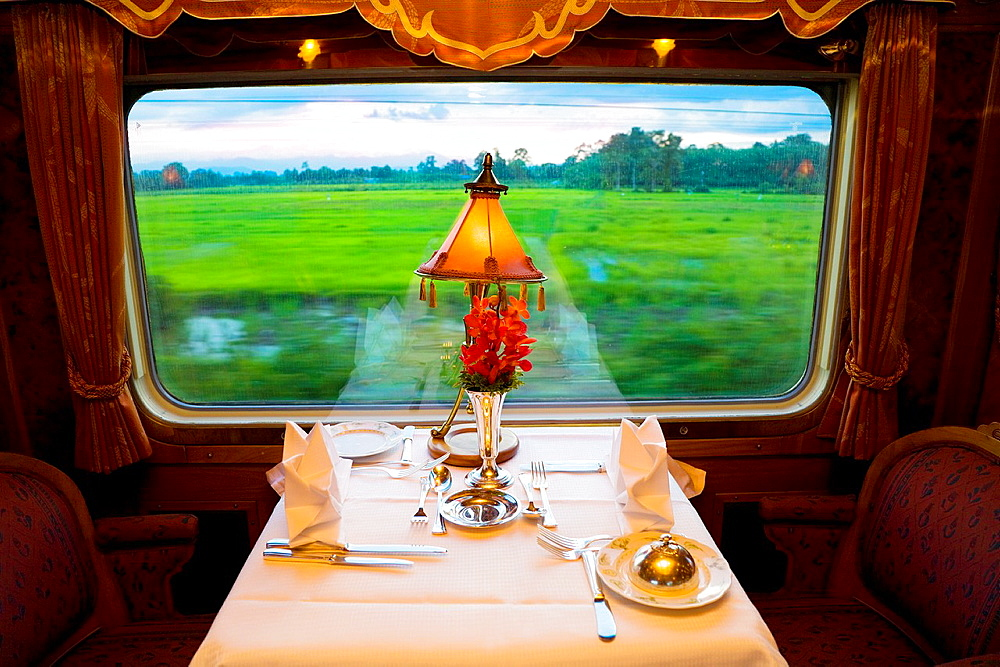 eastern and oriental express train. - 817-470414