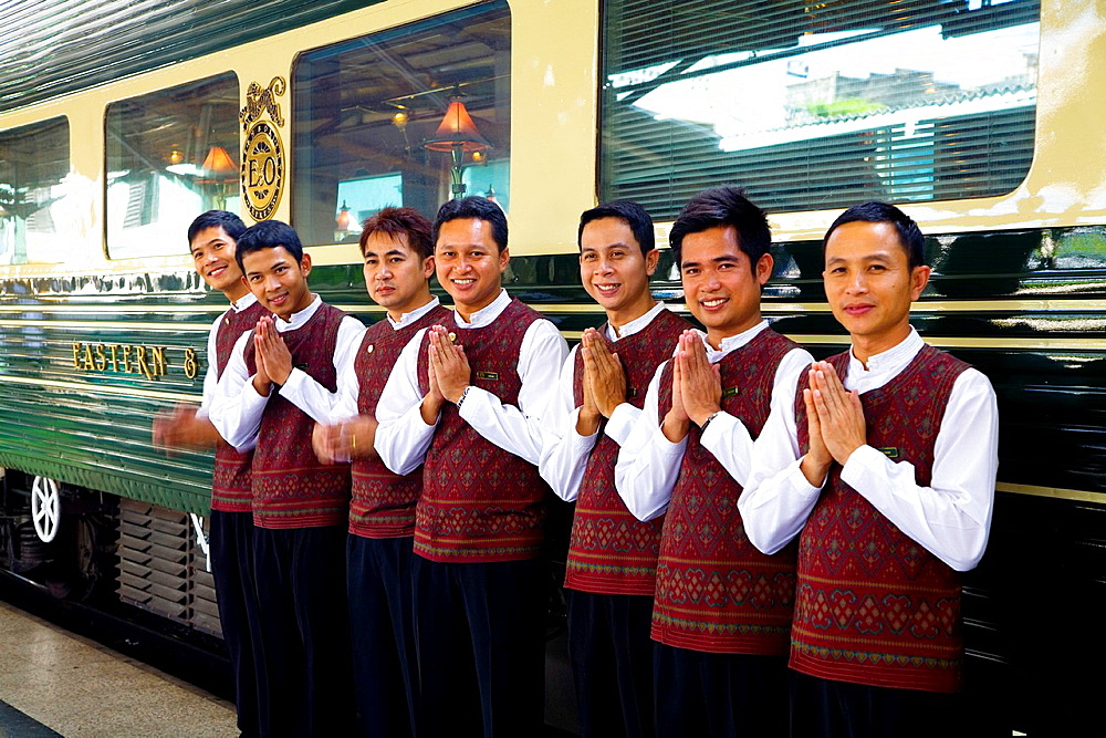 eastern and oriental express train in bangkok station. - 817-470442