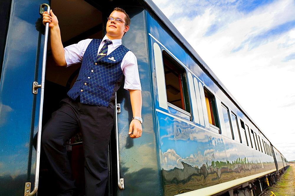 rovos rail train. - 817-470497
