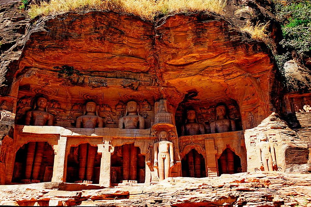 Statues of jain tirthankaras in a cave, Gwalior, Madhya Pradesh, India