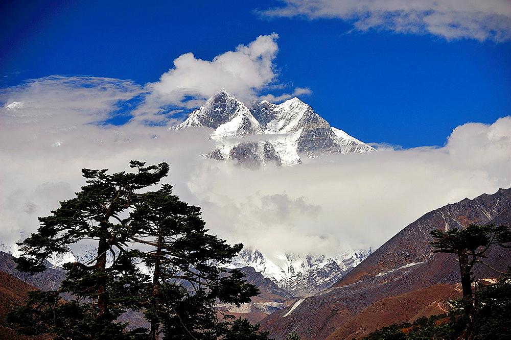 Lhotse peak is the fourth highest mountain on Earth, 8, 516 mts., Sagarmatha National Park, the Himalaya range, Khumbu area, Solukhumbu District, Sagarmatha Zone, Nepal