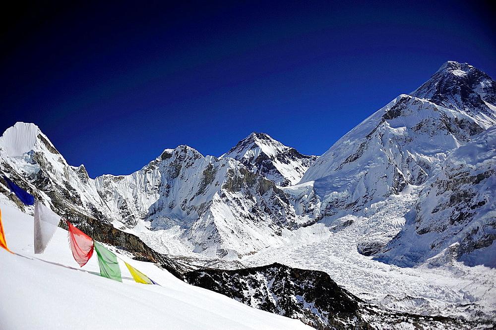 Lingtren -6.749 m.- and Mount Everest, 8.848 m., Sagarmatha National Park, the Himalaya range, Khumbu area, Solukhumbu District, Sagarmatha Zone, Nepal