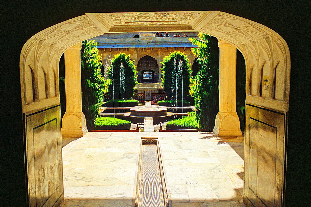 Courtyard, Amber Fort or Amer Palace, next to Jaipur, Rajasthan state, India - 817-471300