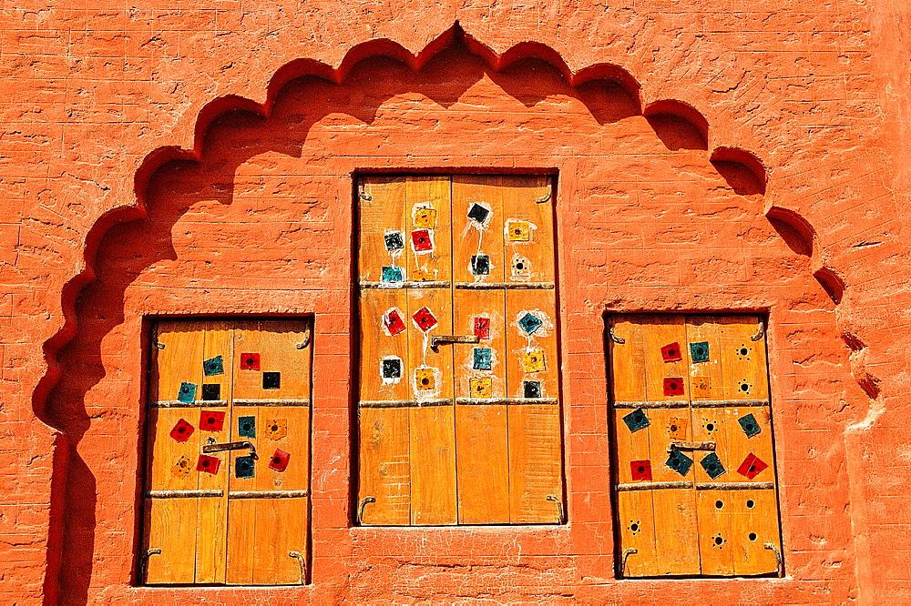 Haveli historical mansion, detail of window, Bikaner, Rajasthan state, India