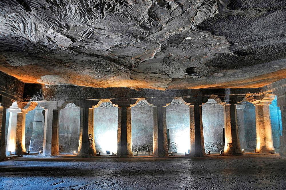 Cave No 4: Main hall. Plain octagonal pillars and simple pillar capitals. Ajanta Caves, Aurangabad, Maharashtra, India.