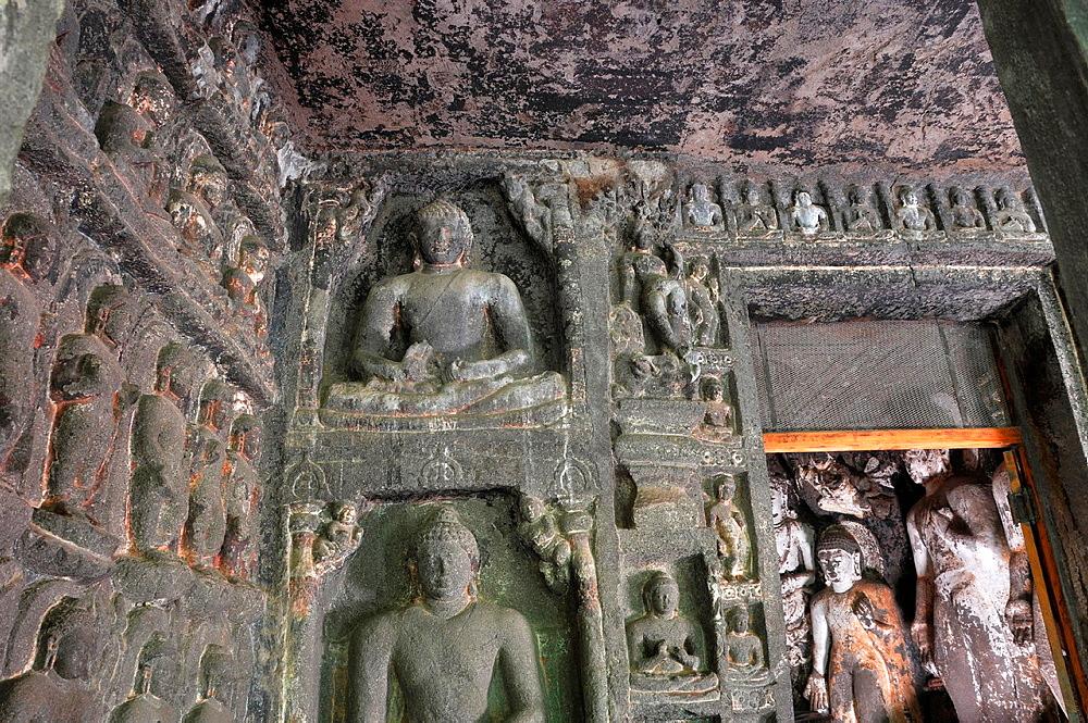 Cave 07: The Shravasti miracle represented by a sculpture on both sides of vestibule. Ajanta Caves, Aurangabad, Maharashtra, India.