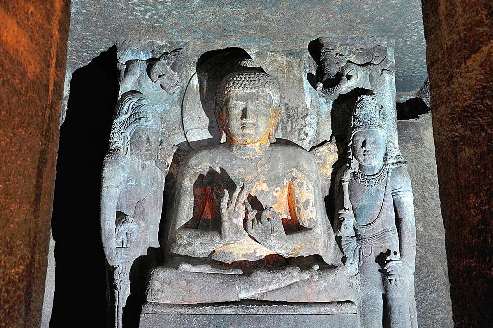 Cave No 4: Sanctum, Buddha in Teaching Pose. Ajanta Caves, Aurangabad, Maharashtra, India.
