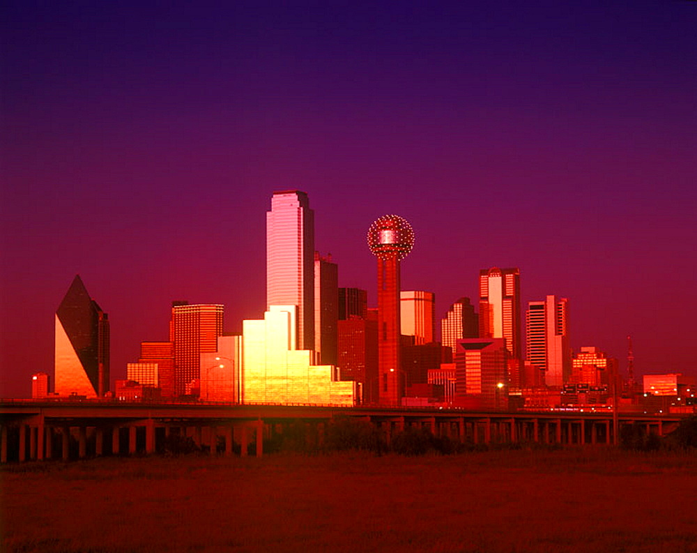 Downtown skyline, Dallas, Texas, USA. - 817-57713