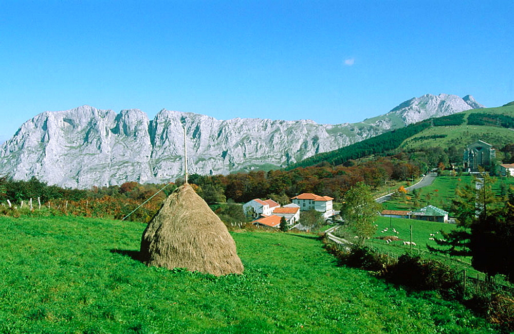 Santuario de los Santos Antonios, Monte Amboto and Monte Alluitz in background, Parque Natural de Urkiola, Vizcaya, Spain