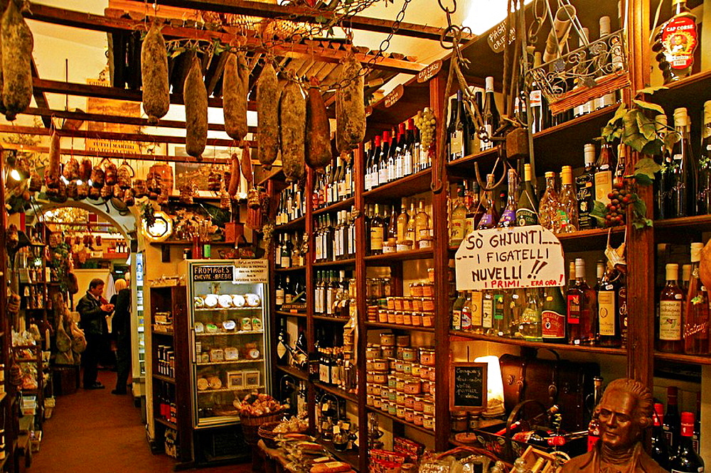 'U Muntagnolu' shop for Corsican specialities, hams, lonzo,coppa,sausages, wines, cheeses, etc., at Bastia, Corsica, France.