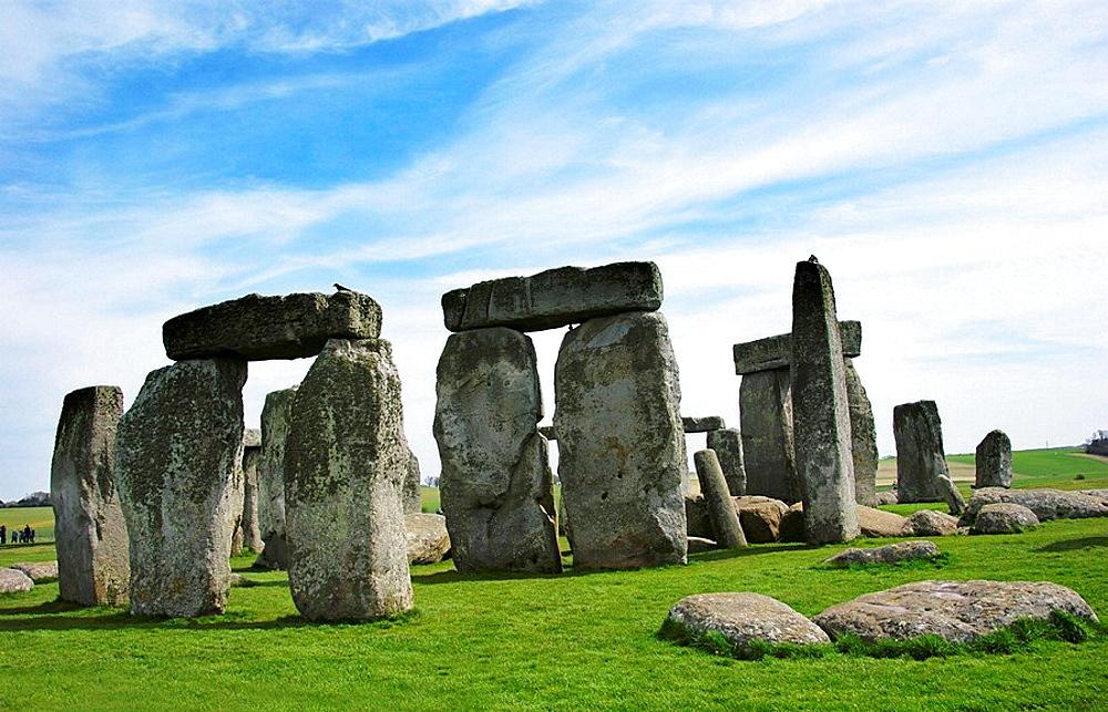 UK, Wiltshire, Megalitic rests at Stonehenge.