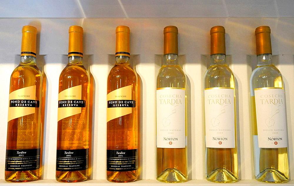 Mendoza white wines: Dulce Natural and Cosecha tardia, Argentina