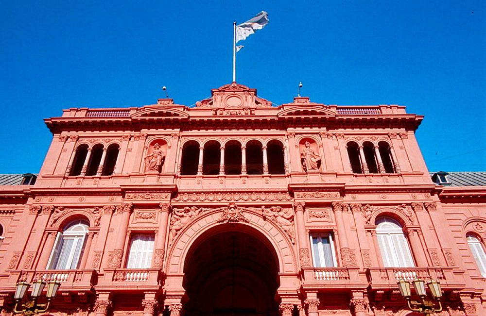 Casa Rosada, Plaza de Mayo, Buenos Aires, Argentina. - 817-71102