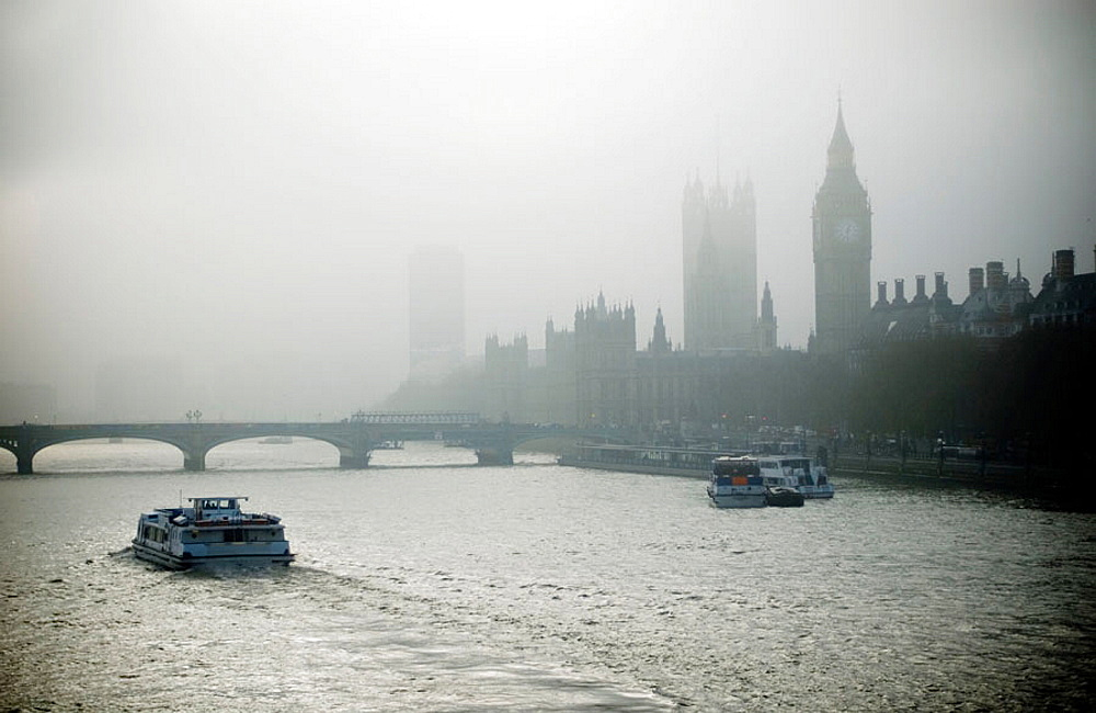 The Houses of Parlament and Big Ben, Westminster bridge, river Thames, London, UK