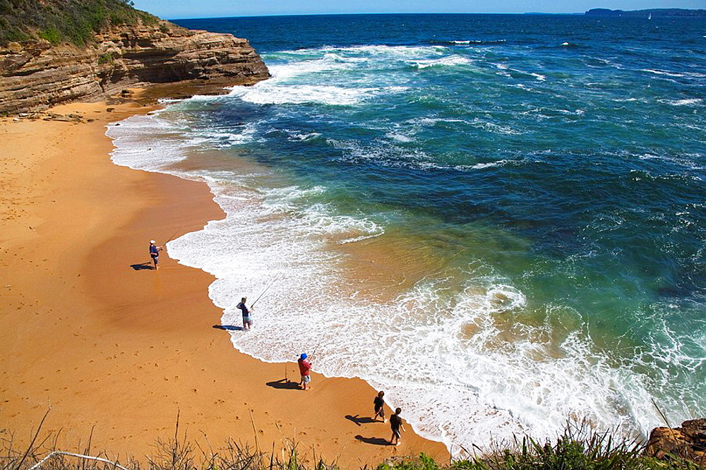Australia, New South Wales, Central Coast, Bouddi National Park, view of Bullimah Beach, an idyllic little beach on the Bouddi Peninsula at the Bouddi Coastal Walk
