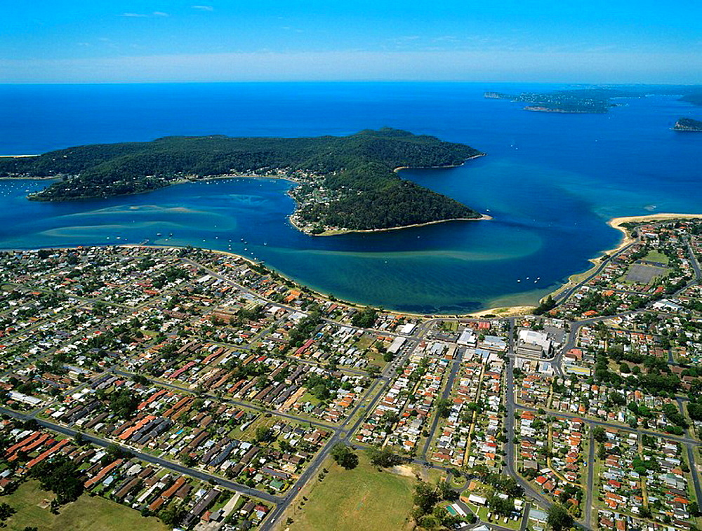 Australia, New South Wales, Central Coast, aerial view of Broken Bay, Bouddi Peninsula and Brisbane Water with the waterside subburbs of Booker Bay, Ettalong, Wagstaff