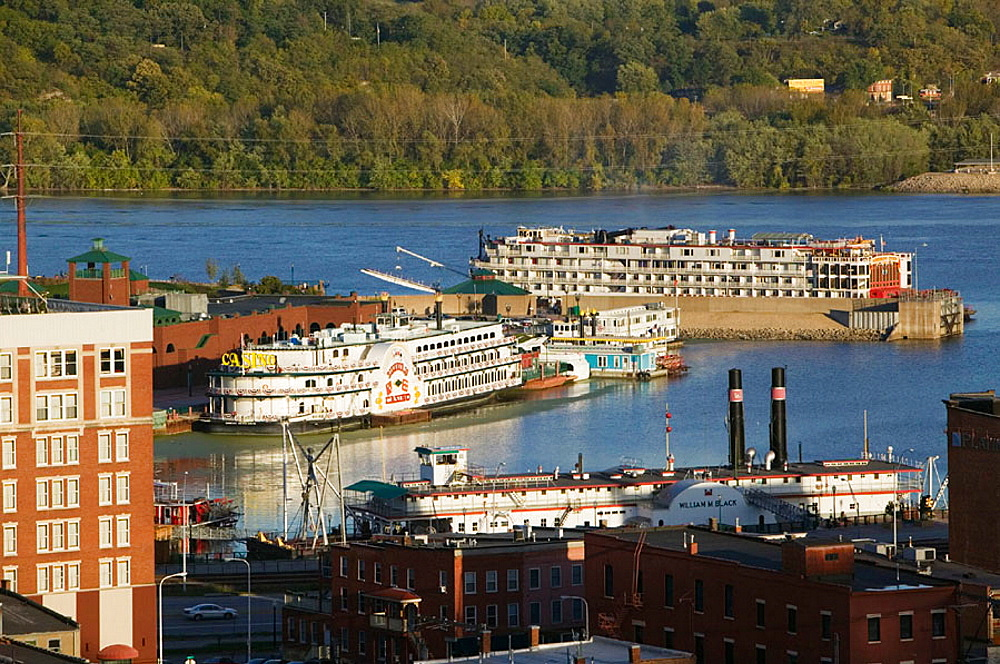 View of Riverboats & Mississippi River, Sunset, Dubuque, Iowa, USA.