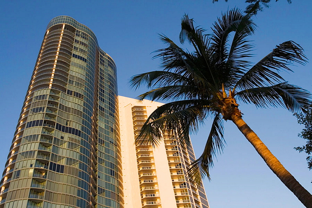 New River Waterfront / River House Condominium / Sunset, Fort Lauderdale, Florida, USA