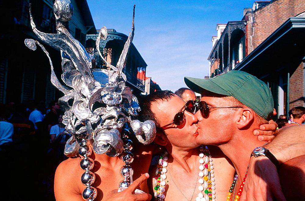 Men kissing, Fat Tuesday, New Orleans carnival, Louisiana, USA - 817-88184
