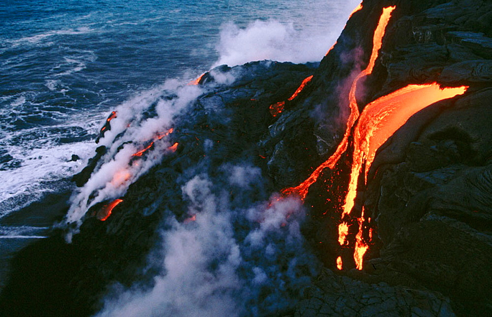 Kilauea lava, Pu-u-O-o flow, Hawaii Volcanoes National Park, Big Island, Hawaii, USA.
