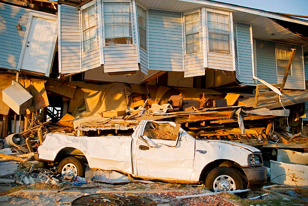 Damage caused by Hurricane Katrina, Slidell, Louisiana, USA. - 817-93631
