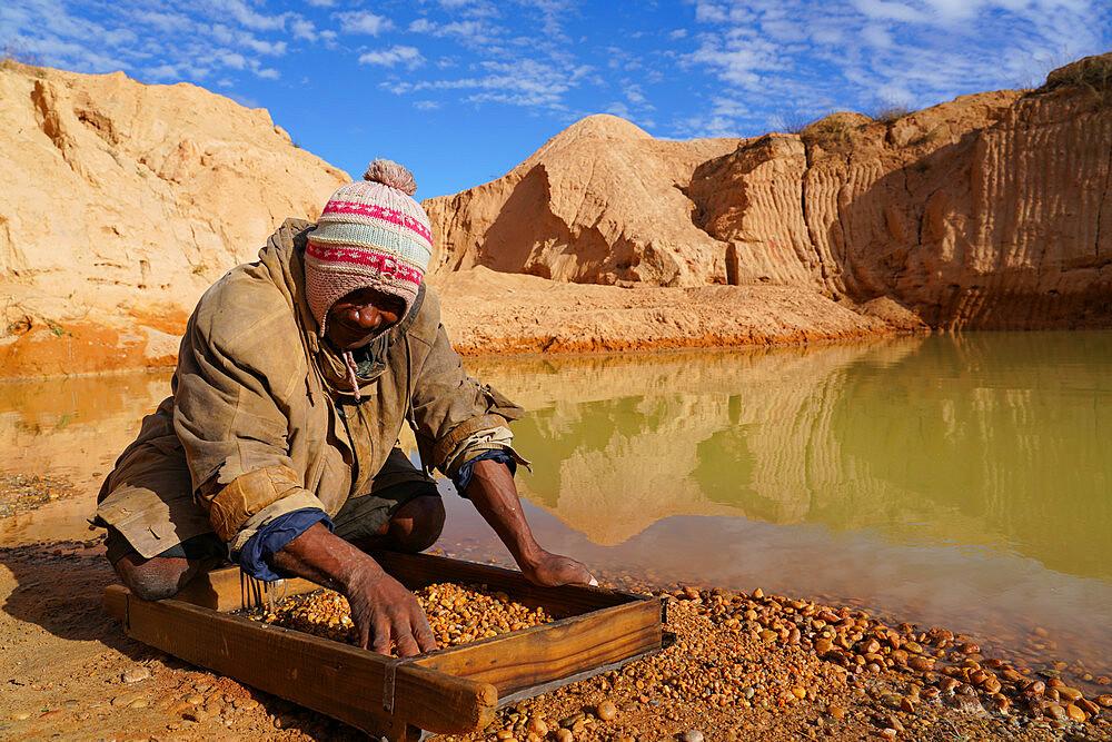 Ilakaka sapphire mines, Ilakaka, Fianarantsoa province, Ihorombe Region, Southern Madagascar - 819-1062