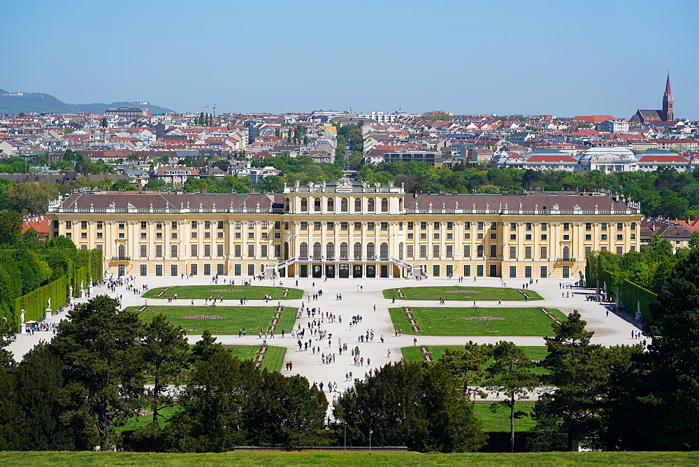 Panorama of Schönbrunn from the Gloriette, with Vienna in background, Vienna, Wien, Austria, Europe