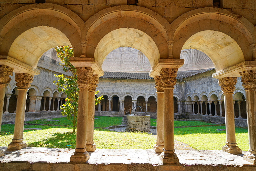 The cloister of the Cathedral of Saint Mary of Girona, Catalonia, Spain, Europe - 819-1215