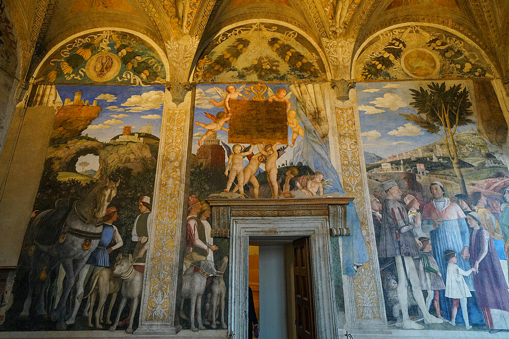 Andrea Mantegna frescoes on the west wall of the Camera degli Sposi, Palazzo Ducale of Mantua, Lombardy, Italy, Europe