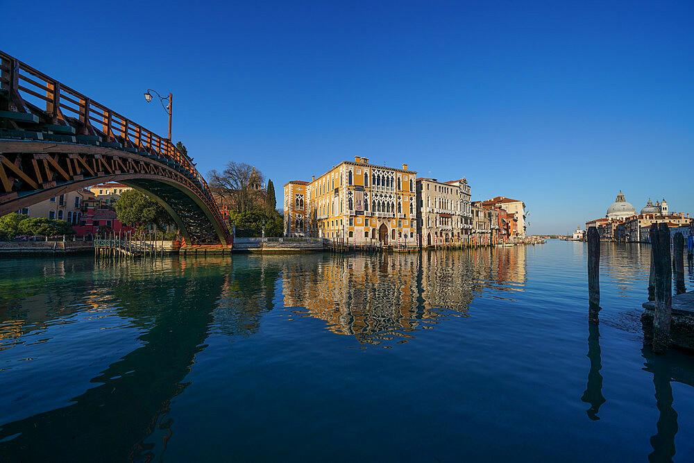 Accademia Bridge on the Grand Canal of Venice during Coronavirus lockdown, Venice, UNESCO World Heritage Site, Veneto, Italy, Europe