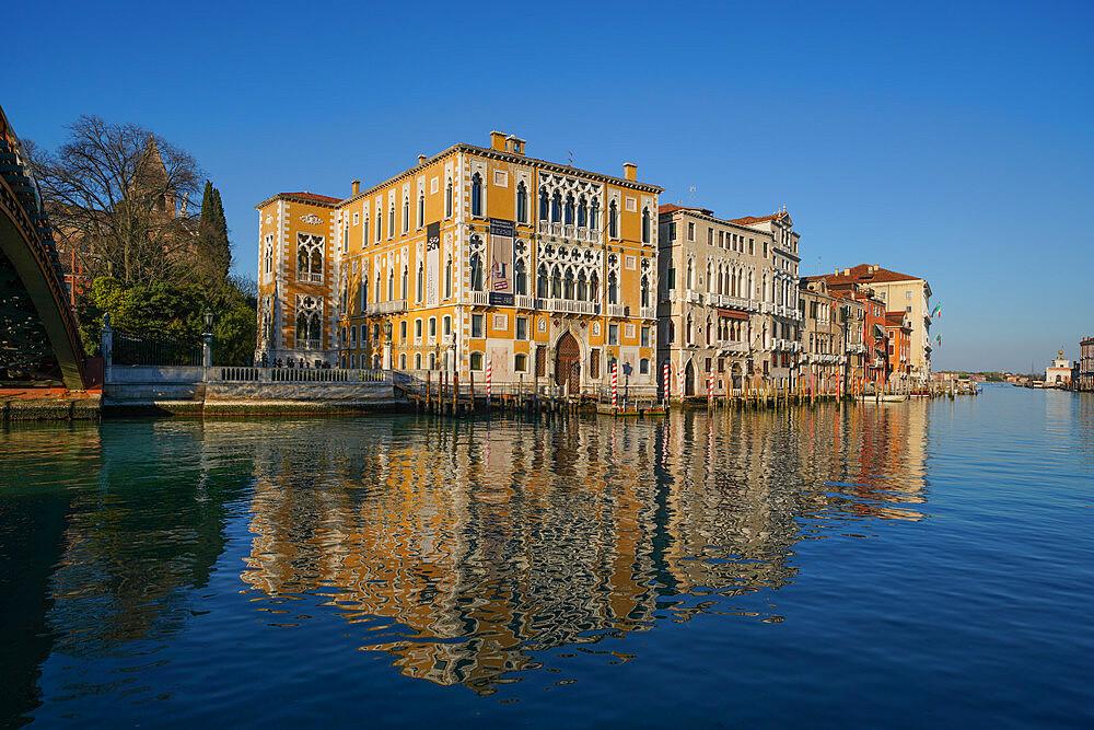 Palazzo Cavalli Franchetti on the Grand Canal of Venice during Coronavirus lockdown, Venice, UNESCO World Heritage Site, Veneto, Italy, Europe - 819-1251