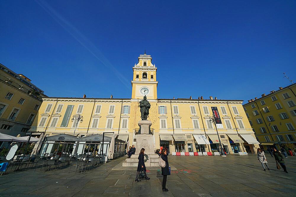 Governor's Palace and Giuseppe Garibaldi monument, Parma, Emilia Romagna, Italy, Europe