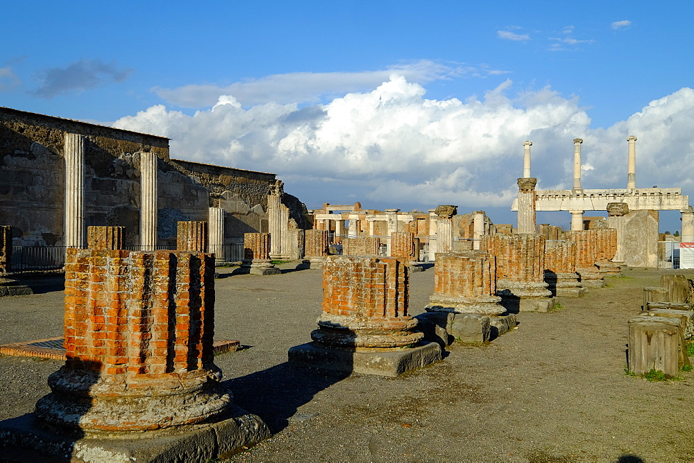 Basilica, Pompeii, UNESCO World Heritage Site, the ancient Roman town near Naples, Campania, Italy, Europe - 819-696