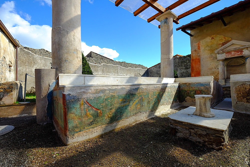 Summer triclinium in House of Ephebus, Pompeii, UNESCO World Heritage Site, the ancient Roman town near Naples, Campania, Italy, Europe - 819-699