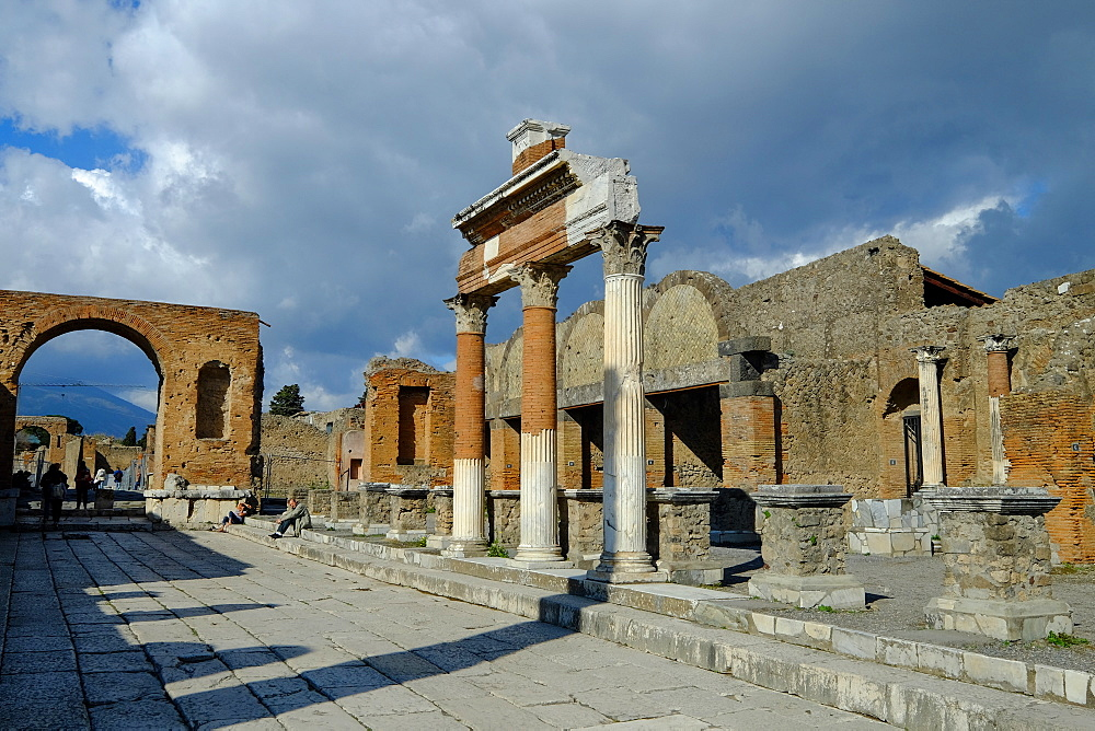 The Macellum and Honorary Arch at the Forum, Pompeii, UNESCO World Heritage Site, the ancient Roman town near Naples, Campania, Italy, Europe