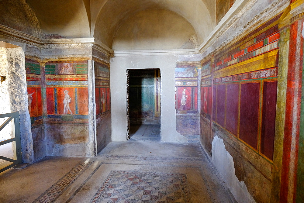 Roman frescoes at Villa of the Mysteries, Pompeii, UNESCO World Heritage Site, the ancient Roman town near Naples, Campania, Italy, Europe