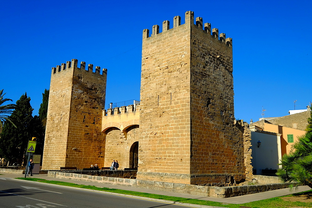 Gate of the city walls, Alcudia, Majorca, Balearic Islands, Spain, Europe - 819-760