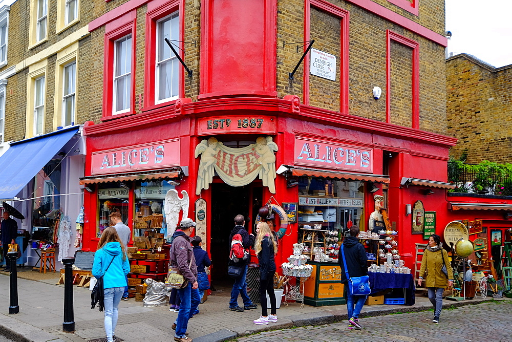 Vintage shop in Portobello Road, London, England, United Kingdom, Europe - 819-770