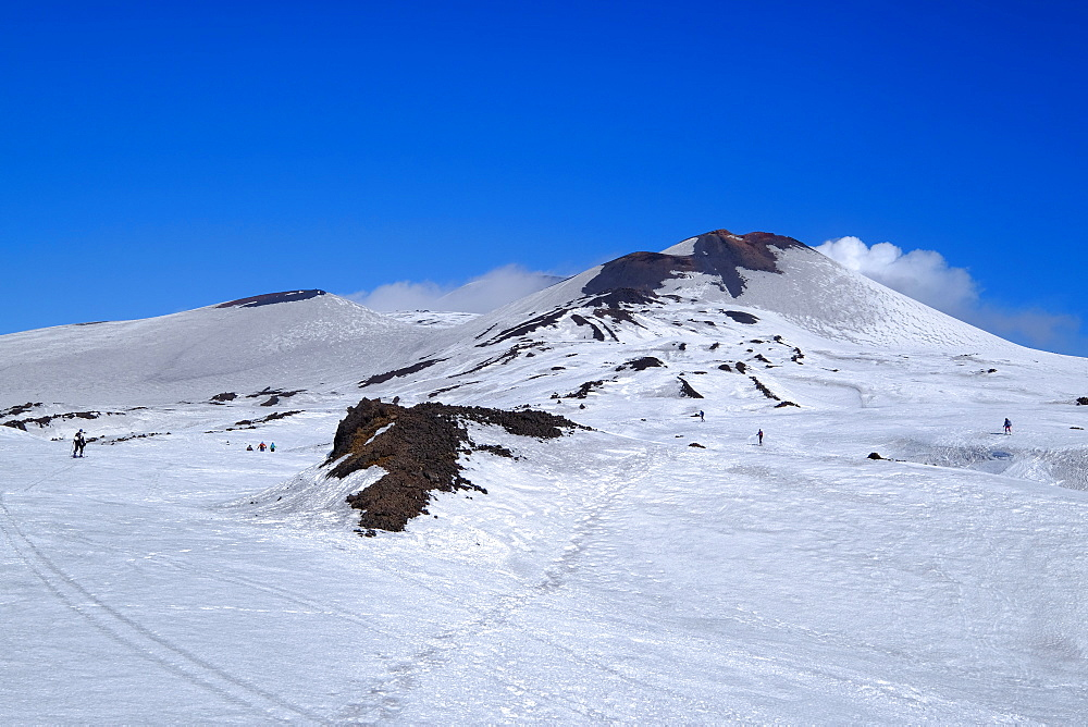 Summit craters of Mount Etna, UNESCO World Heritage Site, Catania, Sicily, Italy, Europe - 819-782