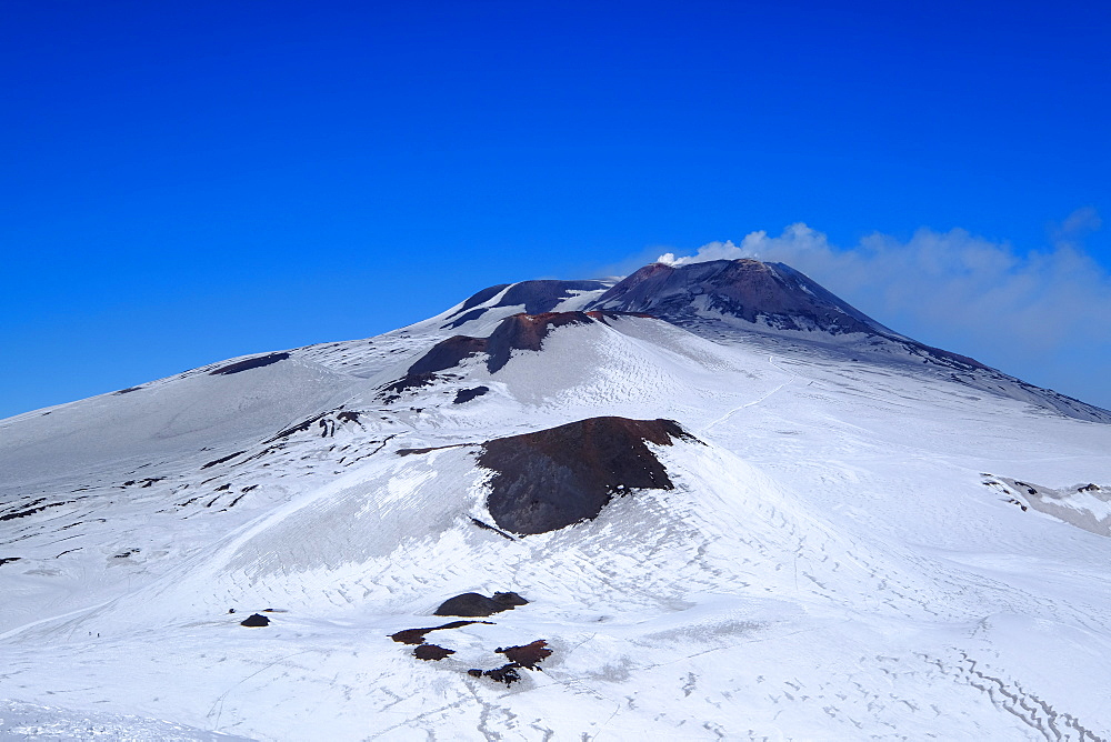 Active summit craters, Mount Etna, UNESCO World Heritage Site, Catania, Sicily, Italy, Europe