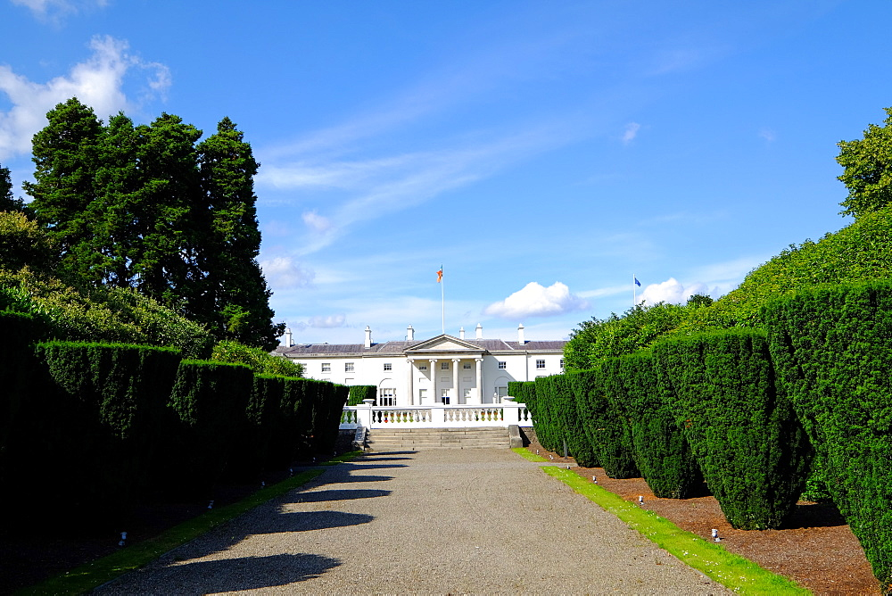 v?ras an Uachtarv?in is the official residence of the President of Ireland. It is located in the Phoenix Park in Dublin, Ireland, Europe - 819-804
