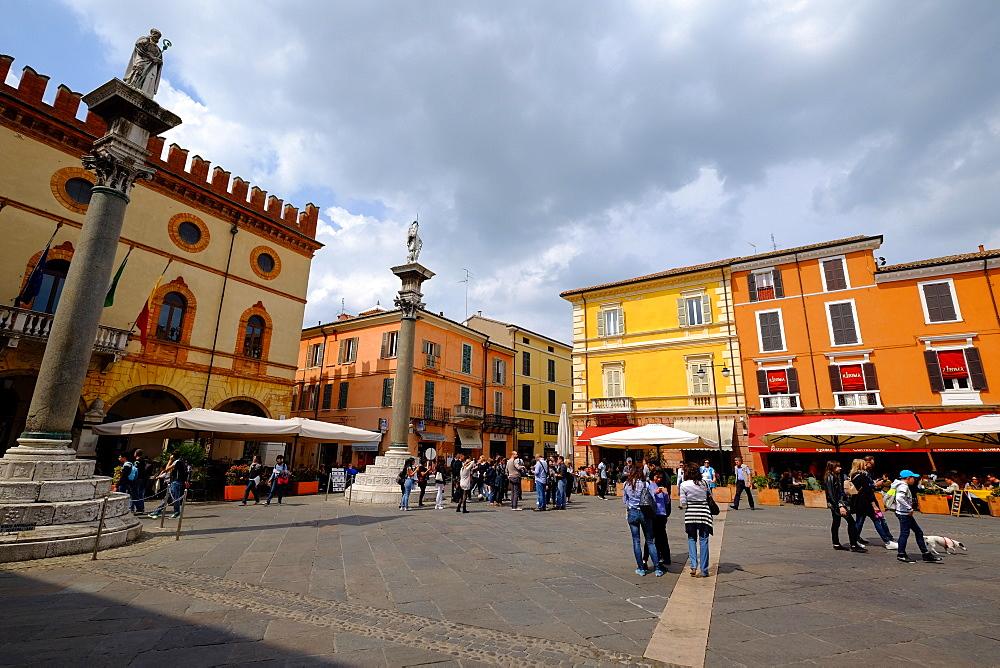 Piazza del Popolo, Ravenna, Emilia-Romagna, Italy, Europe - 819-807