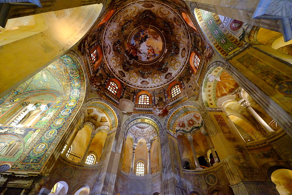 The Basilica of San Vitale, UNESCO World Heritage Site, Ravenna, Emilia-Romagna, Italy, Europe