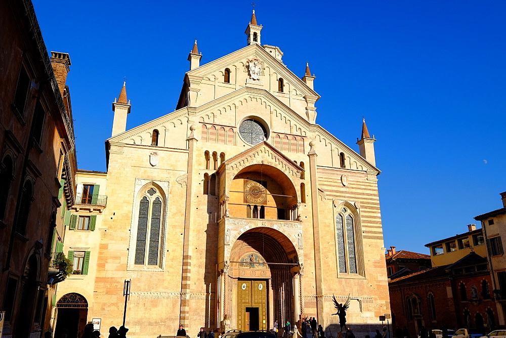 Verona Cathedral, Verona, Veneto, Italy, Europe - 819-905